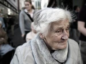 Demnzerkrankte Frau
